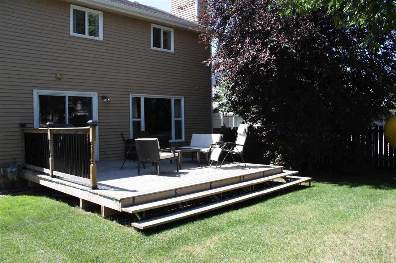 Enjoy your summer BBQs on this terrific deck!