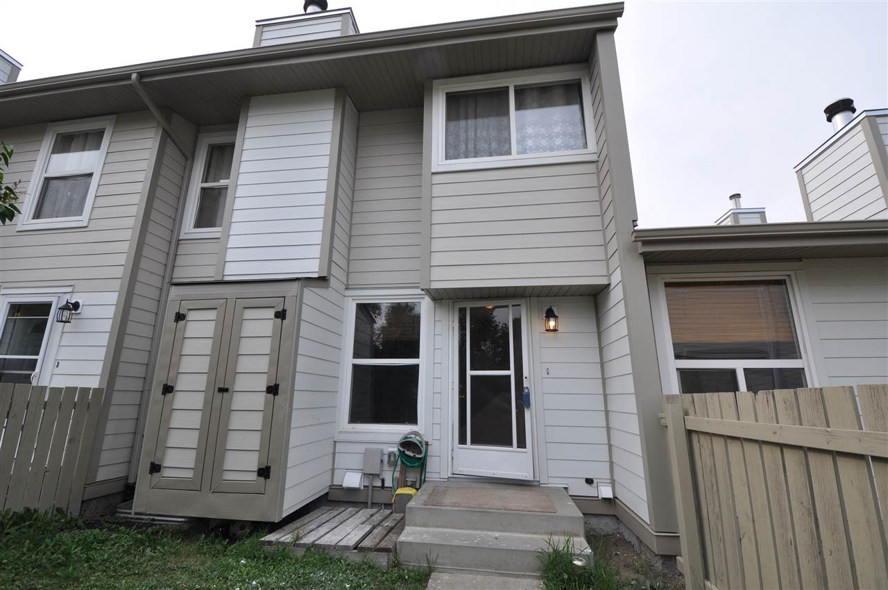 Main Photo: 7012 Mill Woods Rd S NW in Edmonton: Zone 29 Townhouse for sale : MLS® # E4075002