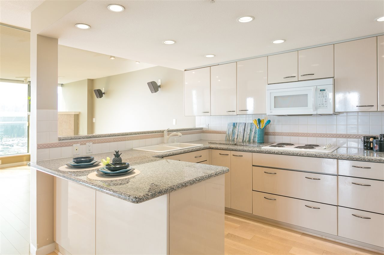 "Photo 6: 1406 1088 QUEBEC Street in Vancouver: Mount Pleasant VE Condo for sale in ""VICEROY"" (Vancouver East)  : MLS® # R2195514"