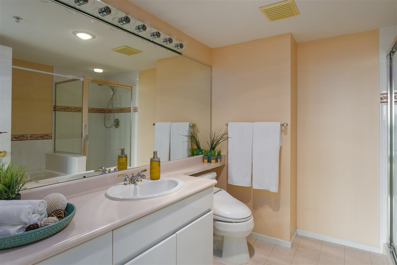 "Photo 14: 1406 1088 QUEBEC Street in Vancouver: Mount Pleasant VE Condo for sale in ""VICEROY"" (Vancouver East)  : MLS® # R2195514"
