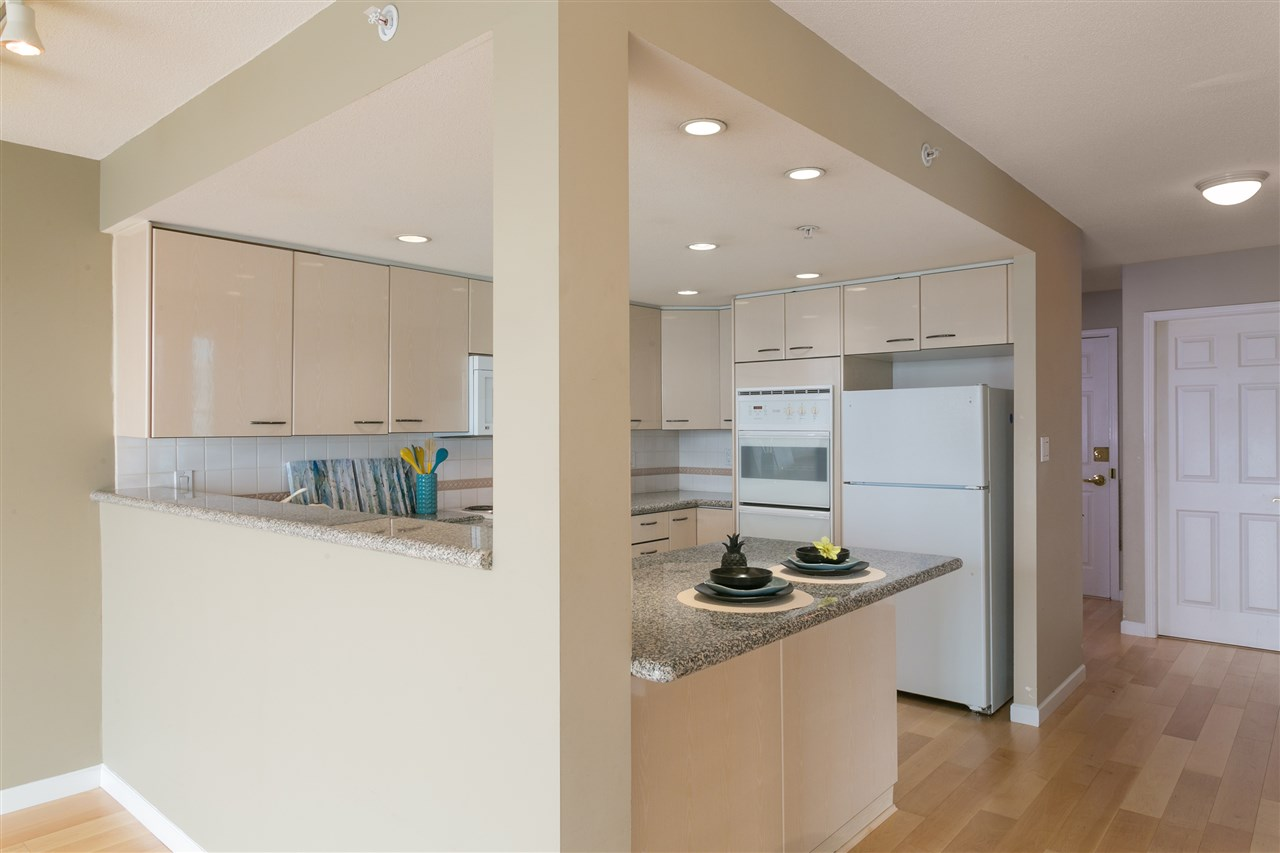 "Photo 4: 1406 1088 QUEBEC Street in Vancouver: Mount Pleasant VE Condo for sale in ""VICEROY"" (Vancouver East)  : MLS® # R2195514"