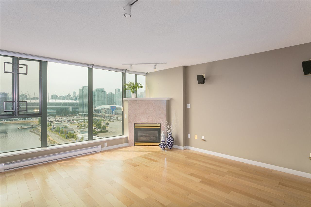 "Photo 8: 1406 1088 QUEBEC Street in Vancouver: Mount Pleasant VE Condo for sale in ""VICEROY"" (Vancouver East)  : MLS® # R2195514"
