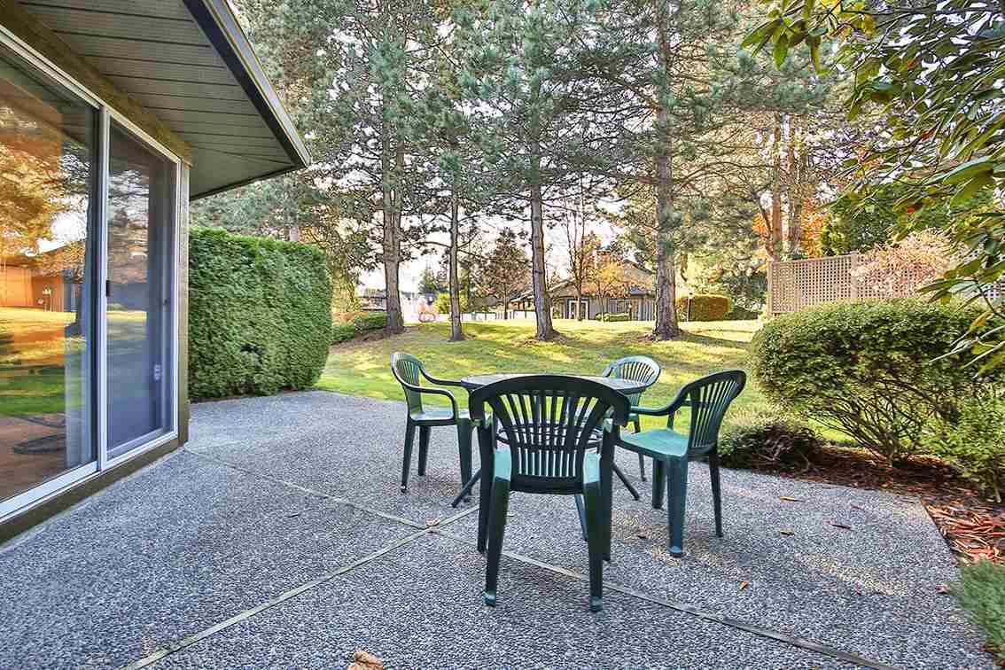 "Photo 14: Photos: 158 16080 82 Avenue in Surrey: Fleetwood Tynehead Townhouse for sale in ""Ponderosa"" : MLS® # R2220080"