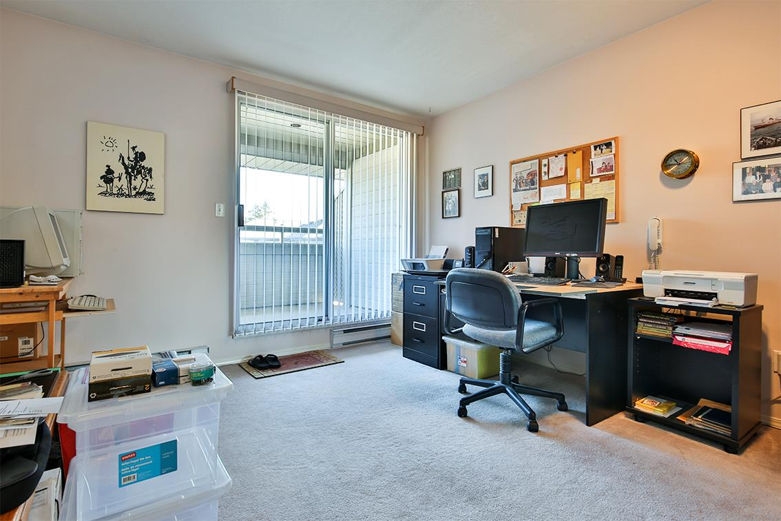 "Photo 11: Photos: 158 16080 82 Avenue in Surrey: Fleetwood Tynehead Townhouse for sale in ""Ponderosa"" : MLS® # R2220080"