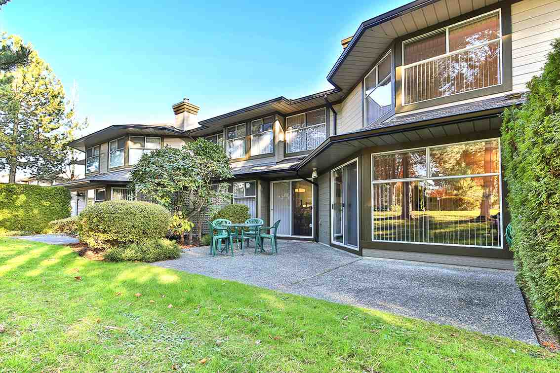 "Photo 15: Photos: 158 16080 82 Avenue in Surrey: Fleetwood Tynehead Townhouse for sale in ""Ponderosa"" : MLS® # R2220080"
