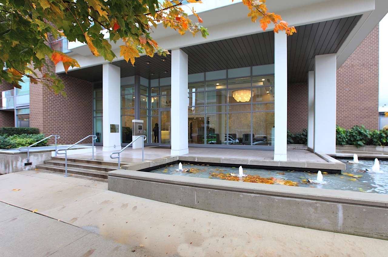 Front Entrance & Fountains