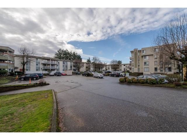 "Photo 2: Photos: 223 32850 GEORGE FERGUSON Way in Abbotsford: Central Abbotsford Condo for sale in ""Abbotsford Place"" : MLS® # R2235536"