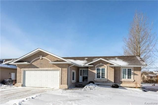 Main Photo: 215 2nd Avenue South in Niverville: Residential for sale (R07)  : MLS®# 1804234