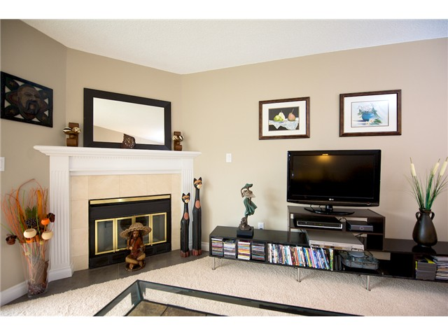 Photo 4: 310 11510 225TH Street in Maple Ridge: East Central Condo for sale : MLS(r) # V876563