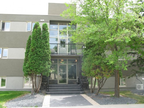 Main Photo: 101 100 Killarney Avenue in Winnipeg: Condominium for sale : MLS®# 1315662