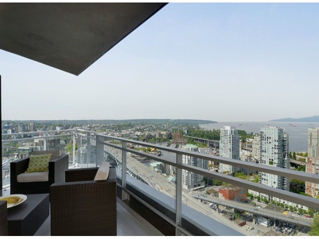 "Photo 2: 4001 1372 SEYMOUR Street in Vancouver: Downtown VW Condo for sale in ""THE MARK"" (Vancouver West)  : MLS(r) # V1063331"