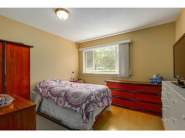 Large Master Bedroom Features Walk In Closet