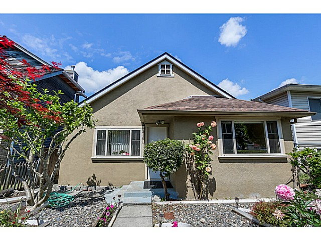 Main Photo: 3191 E 18TH Avenue in Vancouver: Renfrew Heights House for sale (Vancouver East)  : MLS® # V1069333