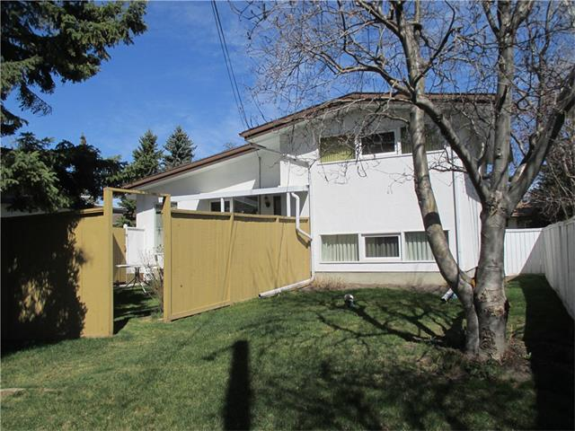 Photo 3: 2739 LIONEL Crescent SW in Calgary: Lakeview House for sale : MLS® # C4008938