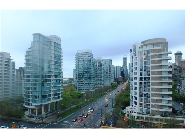 "Photo 18: 901 1863 ALBERNI Street in Vancouver: West End VW Condo for sale in ""LUMIERE"" (Vancouver West)  : MLS(r) # V1120284"