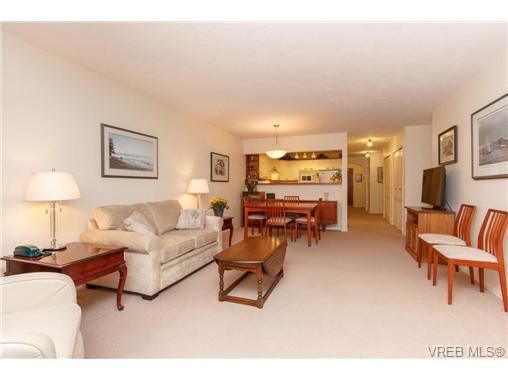 Photo 5: 204 2510 Bevan Avenue in SIDNEY: Si Sidney South-East Condo Apartment for sale (Sidney)  : MLS(r) # 358213