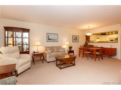 Photo 4: 204 2510 Bevan Avenue in SIDNEY: Si Sidney South-East Condo Apartment for sale (Sidney)  : MLS(r) # 358213