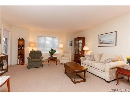 Photo 3: 204 2510 Bevan Avenue in SIDNEY: Si Sidney South-East Condo Apartment for sale (Sidney)  : MLS(r) # 358213