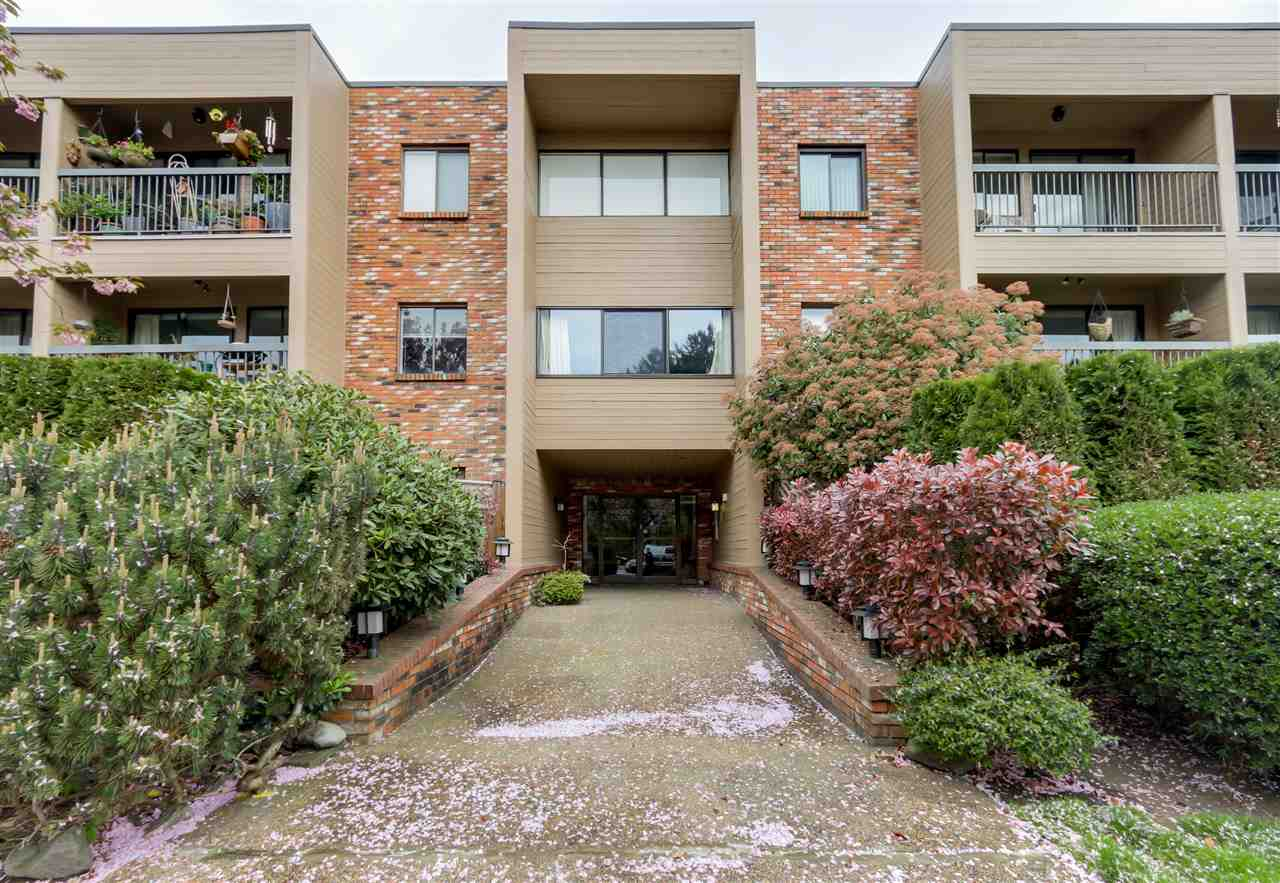Main Photo: 108 1825 W 8TH Avenue in Vancouver: Kitsilano Condo for sale (Vancouver West)  : MLS® # R2057338