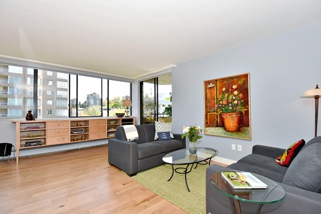 "Photo 2: 402 1616 W 13TH Avenue in Vancouver: Fairview VW Condo for sale in ""GRANVILLE GARDENS"" (Vancouver West)  : MLS® # R2058683"
