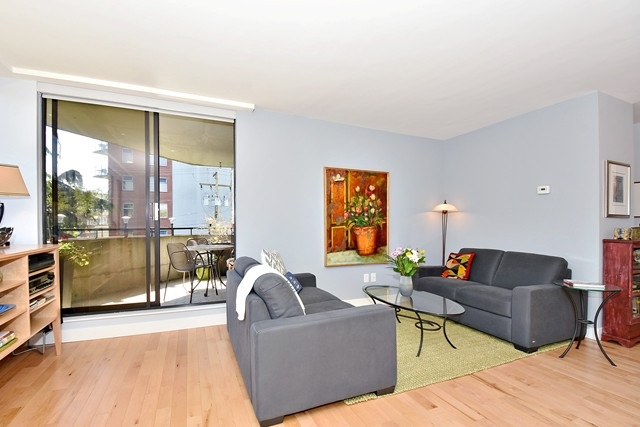 "Photo 3: 402 1616 W 13TH Avenue in Vancouver: Fairview VW Condo for sale in ""GRANVILLE GARDENS"" (Vancouver West)  : MLS® # R2058683"