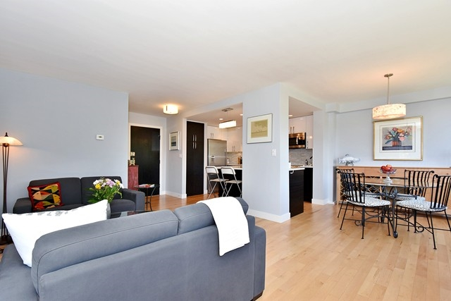 "Photo 4: 402 1616 W 13TH Avenue in Vancouver: Fairview VW Condo for sale in ""GRANVILLE GARDENS"" (Vancouver West)  : MLS(r) # R2058683"