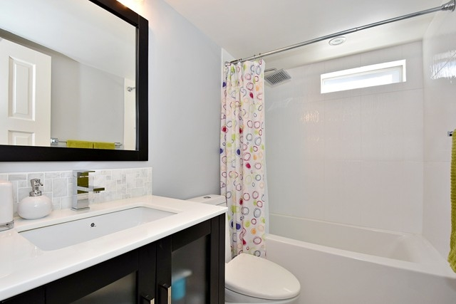 "Photo 11: 402 1616 W 13TH Avenue in Vancouver: Fairview VW Condo for sale in ""GRANVILLE GARDENS"" (Vancouver West)  : MLS® # R2058683"