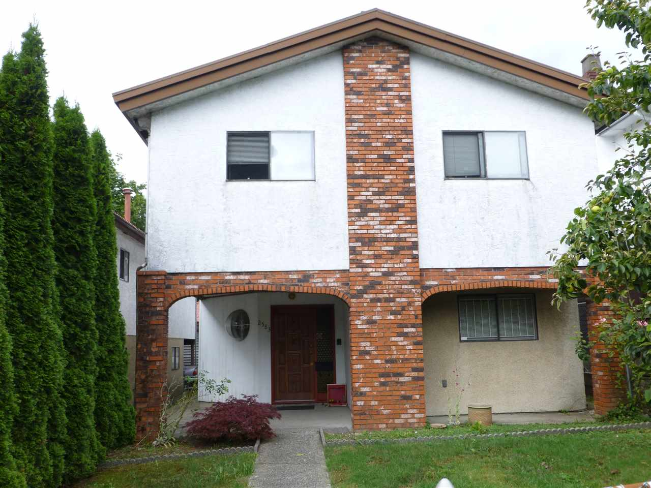 Main Photo: 2583 RENFREW Street in Vancouver: Renfrew VE House for sale (Vancouver East)  : MLS® # R2094540