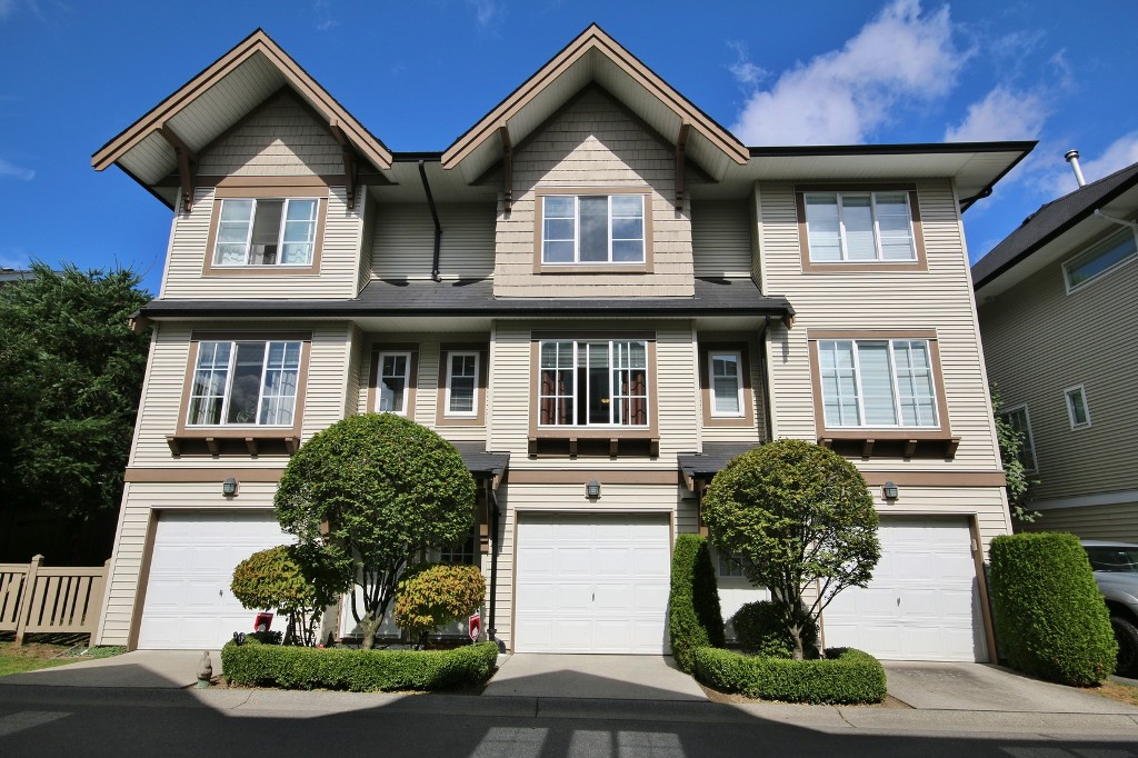"Main Photo: 36 20540 66 Avenue in Langley: Willoughby Heights Townhouse for sale in ""Amberleigh"" : MLS® # R2107048"
