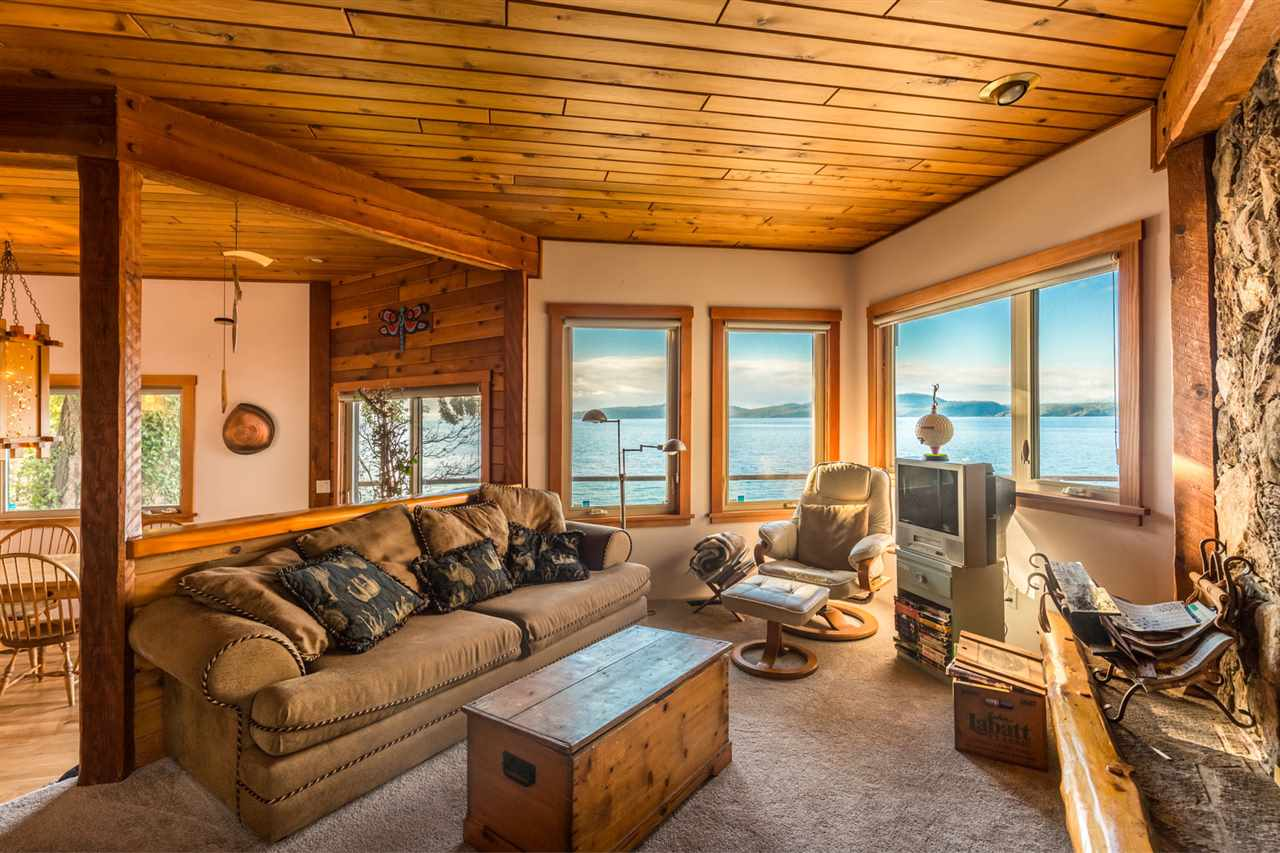 Photo 4: Photos: 8787 REDROOFFS Road in Halfmoon Bay: Halfmn Bay Secret Cv Redroofs House for sale (Sunshine Coast)  : MLS®# R2127206