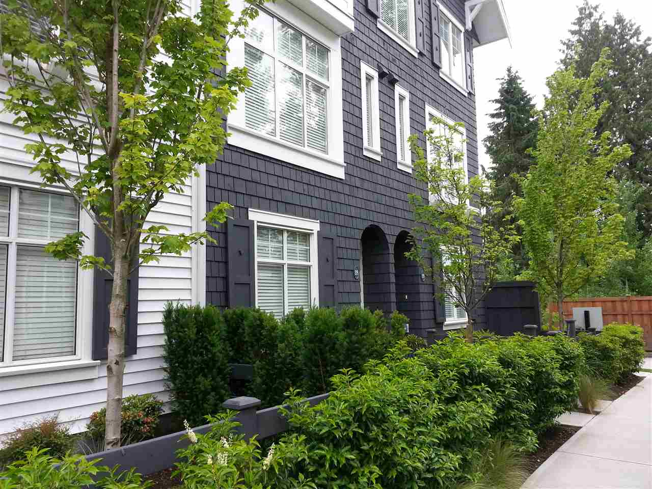 Main Photo: 28 15152 91 AVENUE in : Fleetwood Tynehead Townhouse for sale : MLS®# R2069959