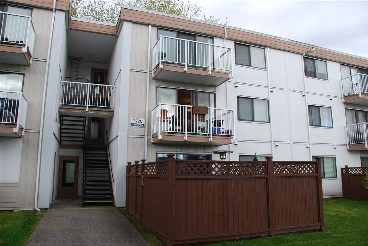 "Main Photo: 206 7220 LINDSAY Road in Richmond: Granville Condo for sale in ""SUSSEX SQUARE"" : MLS(r) # R2164999"