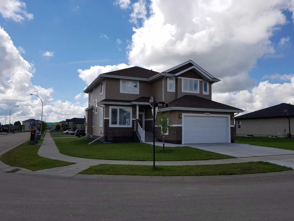 Main Photo: 10501 106 Avenue: Morinville House for sale : MLS® # E4069296