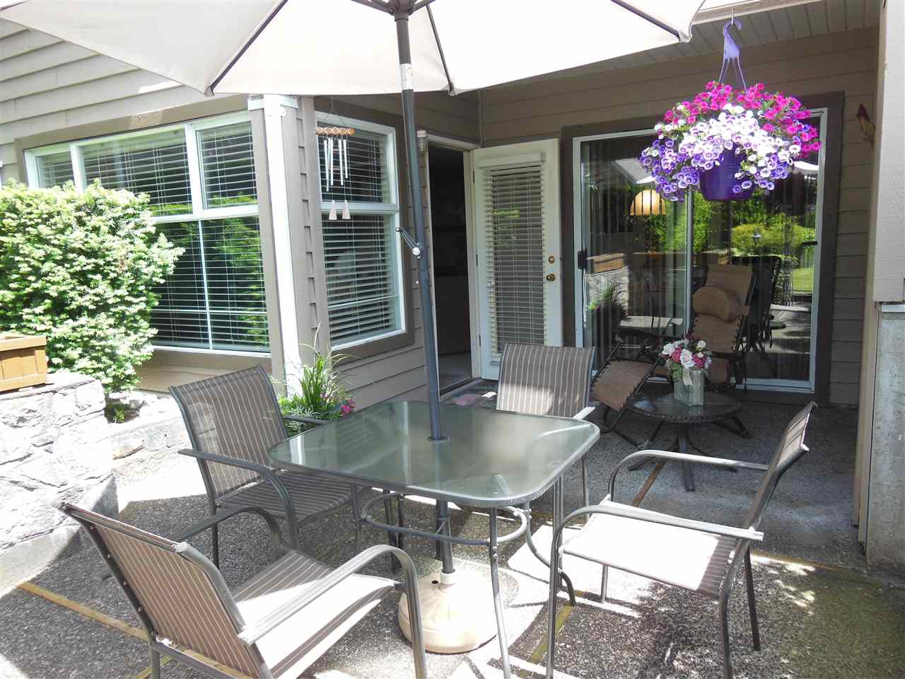 "Main Photo: 309 1000 BOWRON Court in North Vancouver: Roche Point Condo for sale in ""Parkway Terrace"" : MLS®# R2178474"
