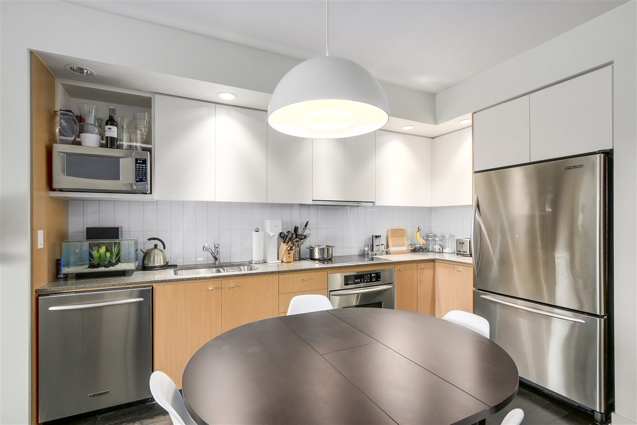 "Main Photo: 514 2851 HEATHER Street in Vancouver: Fairview VW Condo for sale in ""TAPESTRY"" (Vancouver West)  : MLS(r) # R2182003"