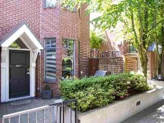 "Main Photo: 854 W 6TH Avenue in Vancouver: Fairview VW Townhouse for sale in ""BOXWOOD GREEN"" (Vancouver West)  : MLS® # R2184606"