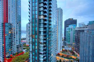 Main Photo: 2002 1166 MELVILLE Street in Vancouver: Coal Harbour Condo for sale (Vancouver West)  : MLS® # R2216321