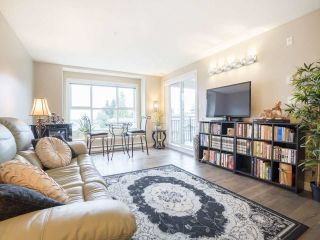 "Main Photo: 306 5775 IRMIN Street in Burnaby: Metrotown Condo for sale in ""Macpherson Walk"" (Burnaby South)  : MLS® # R2237634"