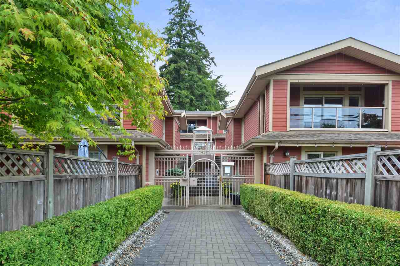 "Main Photo: 6 14921 THRIFT Avenue: White Rock Townhouse for sale in ""Nicole Place"" (South Surrey White Rock)  : MLS®# R2285467"