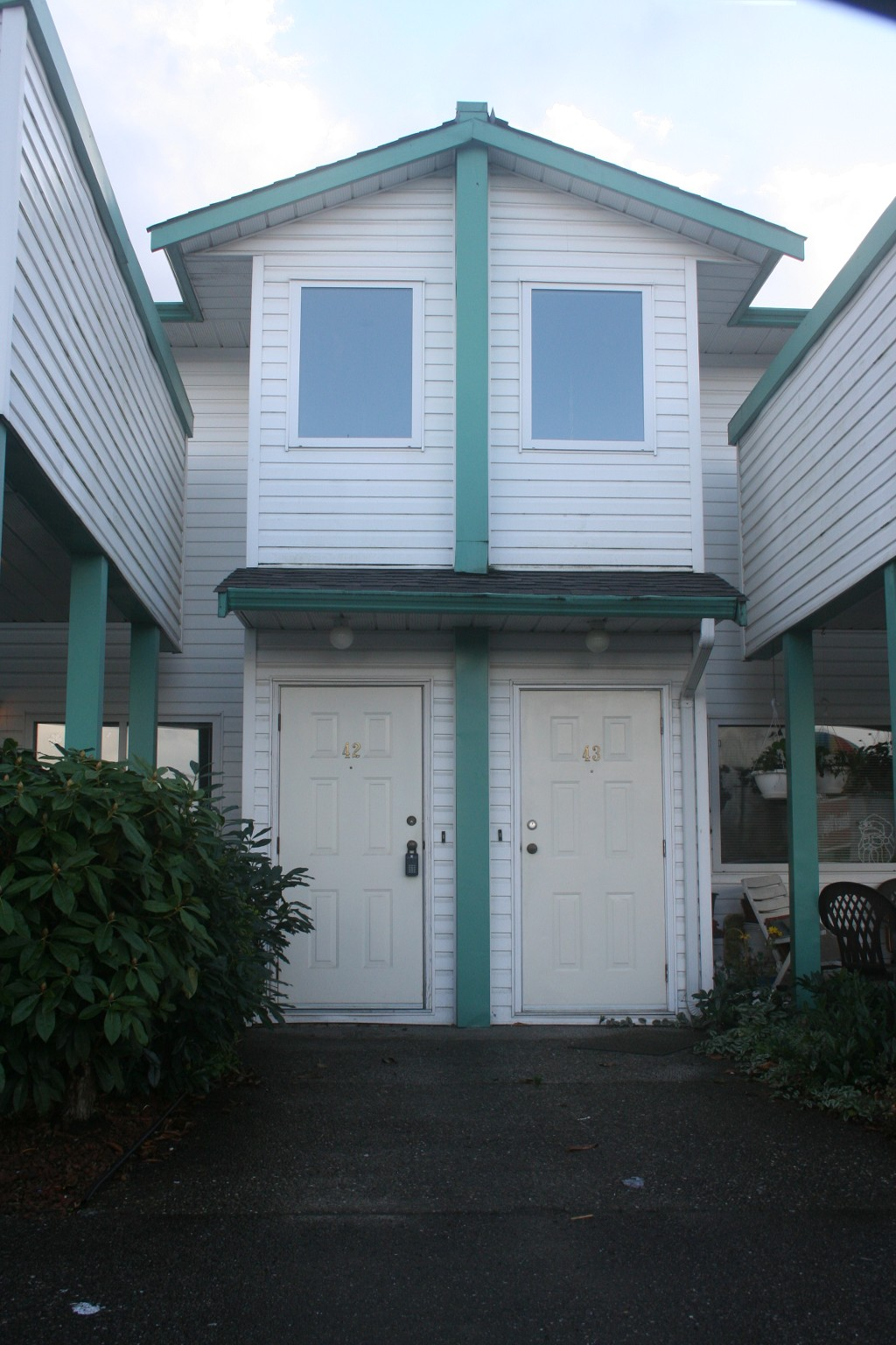 Photo 2: 42 7715 Luckakuck Place in Chilliwack: Sardis West Townhouse for sale (Sardis)  : MLS® # H1304444