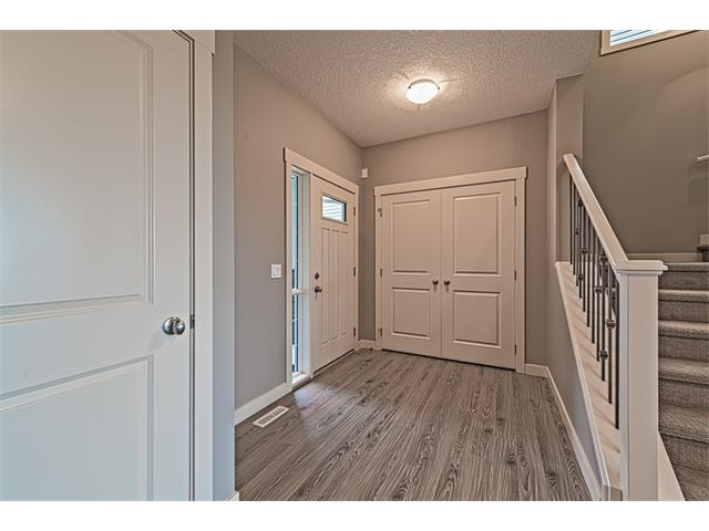 Photo 2: 139 NOLANCREST Heights NW in Calgary: Nolan Hill House  : MLS(r) # C4041790
