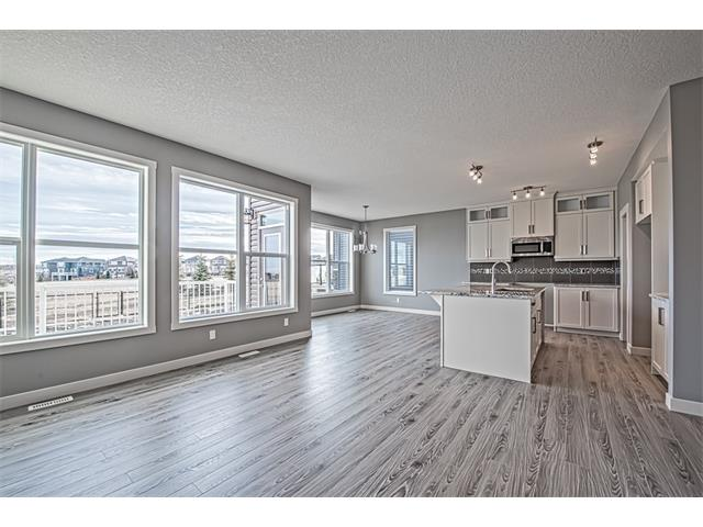 Photo 4: 139 NOLANCREST Heights NW in Calgary: Nolan Hill House  : MLS® # C4041790