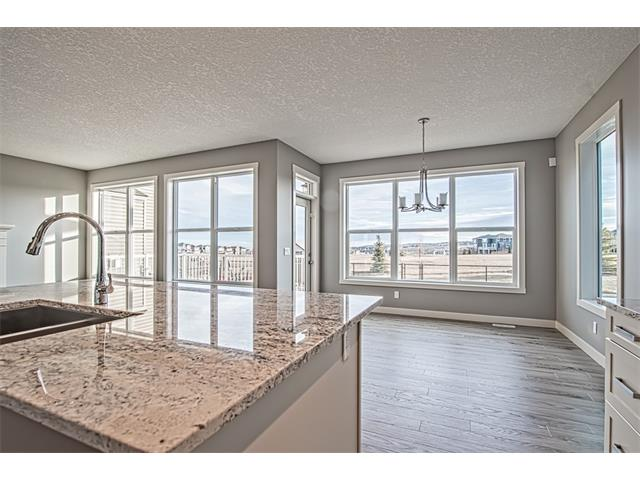 Photo 9: 139 NOLANCREST Heights NW in Calgary: Nolan Hill House  : MLS® # C4041790