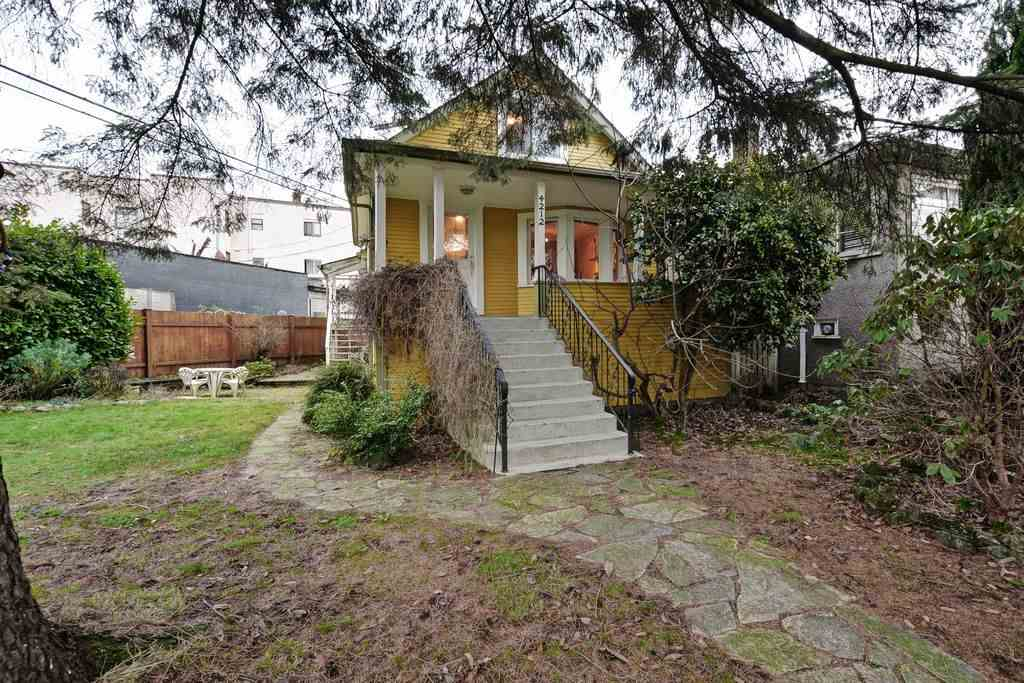 Main Photo: 4212 PERRY Street in Vancouver: Victoria VE House for sale (Vancouver East)  : MLS® # R2027959