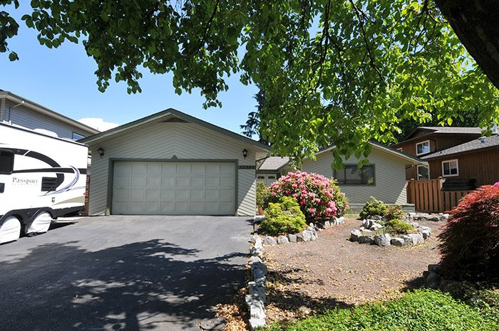 "Main Photo: 12380 SKILLEN Street in Maple Ridge: Northwest Maple Ridge House for sale in ""CHILCOTON COUNTRY"" : MLS® # R2068300"