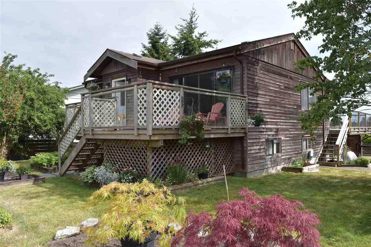 Main Photo: 5787 DOLPHIN Street in Sechelt: Sechelt District House for sale (Sunshine Coast)  : MLS® # R2069875