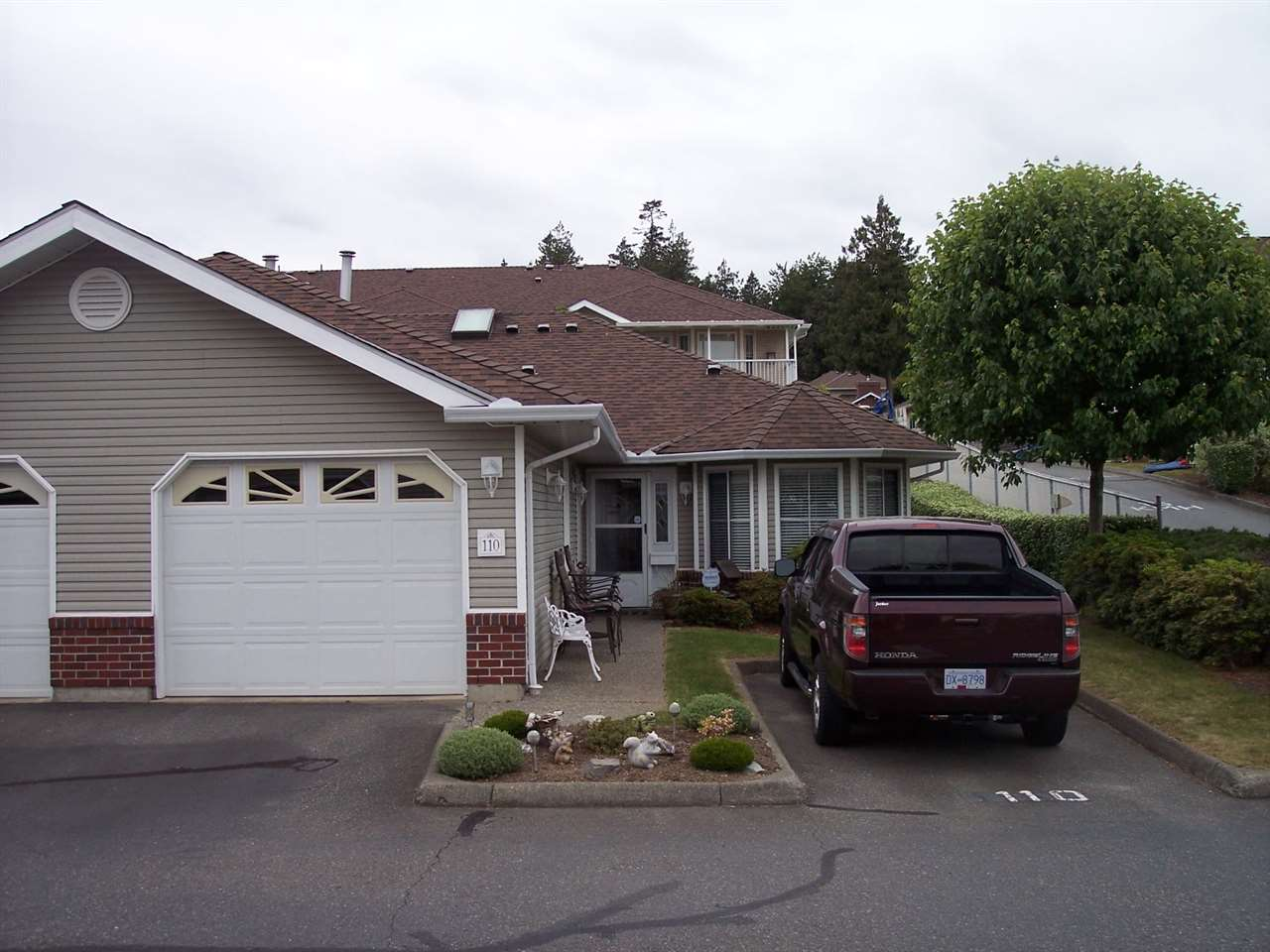 "Main Photo: 110 1973 WINFIELD Drive in Abbotsford: Abbotsford East Townhouse for sale in ""BELMONT RIDGE"" : MLS® # R2070637"