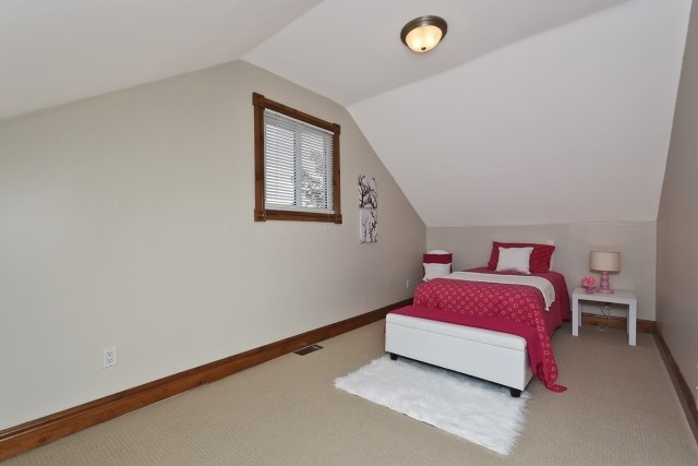 Photo 5: 87 Elgin Street in Clarington: Bowmanville House (1 1/2 Storey) for sale : MLS(r) # E3638834