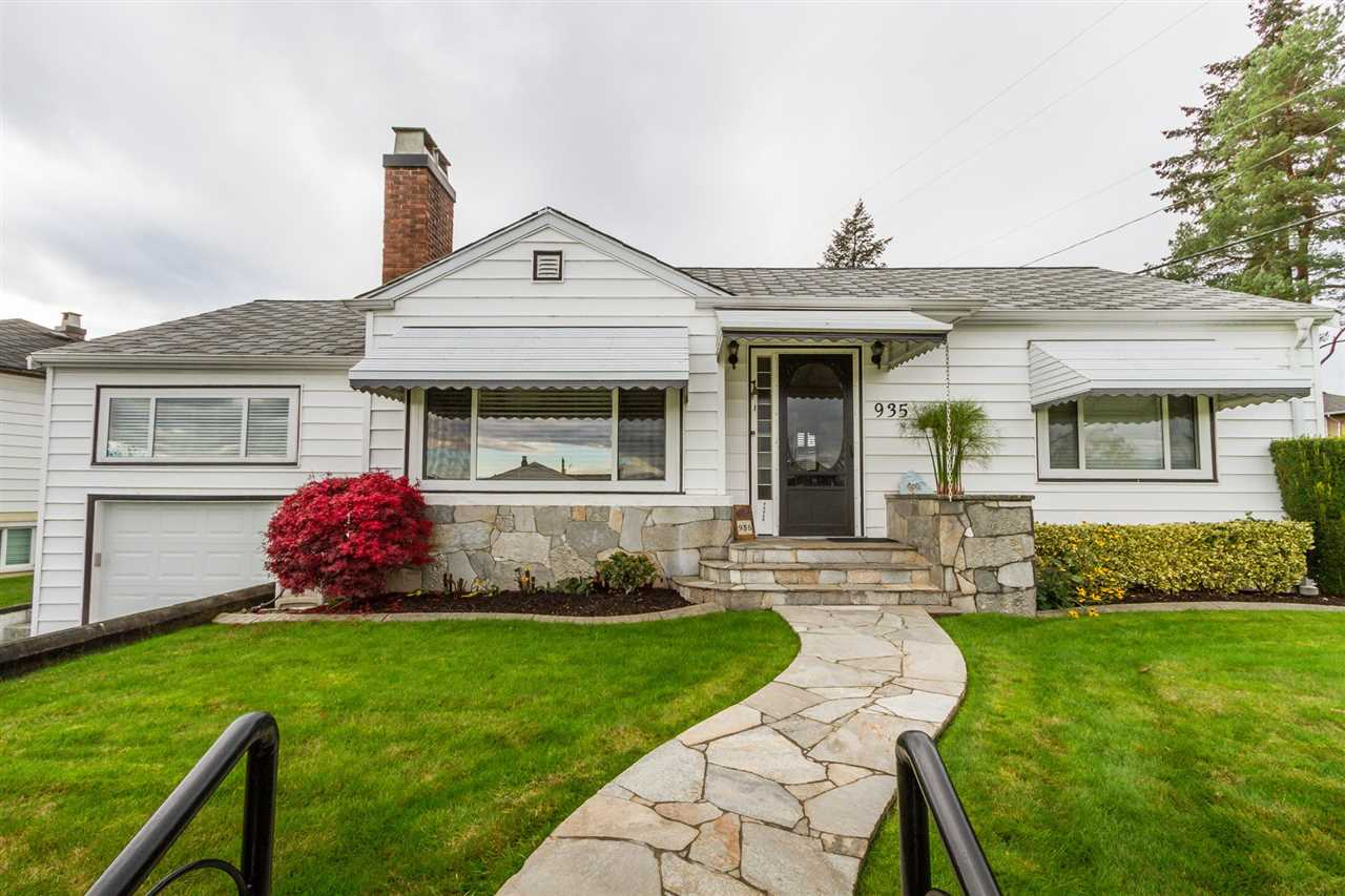 "Main Photo: 935 LAUREL Street in New Westminster: The Heights NW House for sale in ""THE HEIGHTS"" : MLS(r) # R2136071"