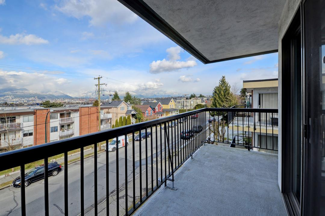 "Photo 13: 302 444 E 6TH Avenue in Vancouver: Mount Pleasant VE Condo for sale in ""Terrace Heights"" (Vancouver East)  : MLS® # R2144460"